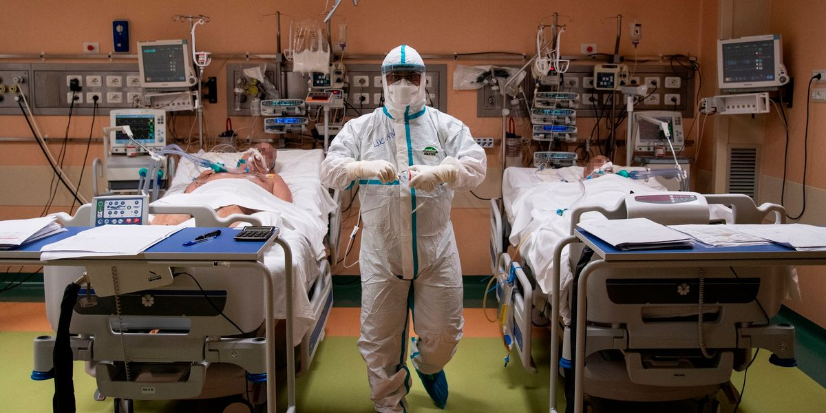 COVID-19 patients' ICU death rates are quickly dropping: Study