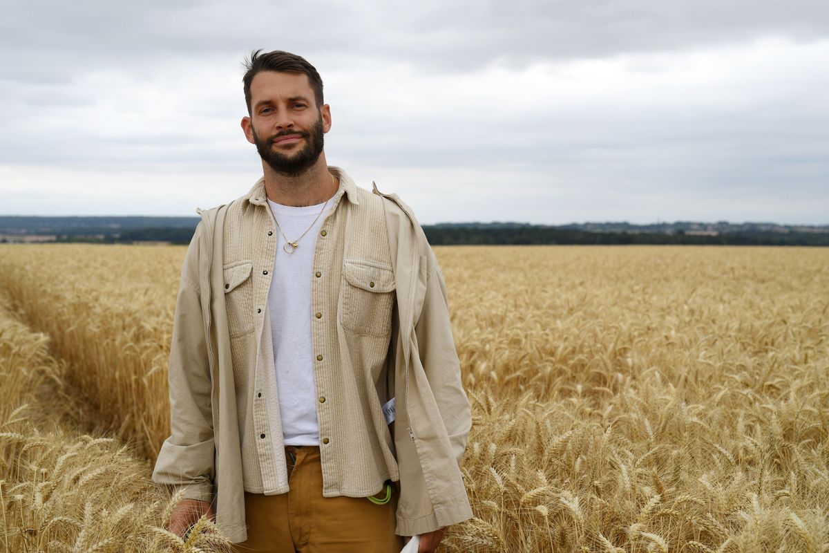 Jacquemus Staged a Fashion Show in a Giant Wheat Field