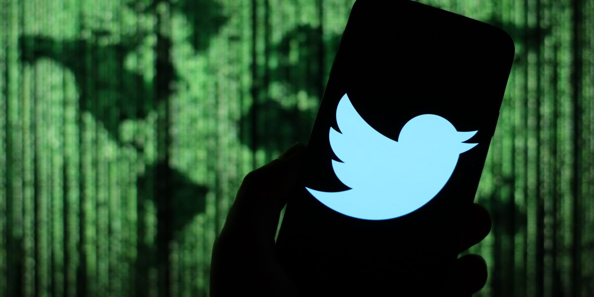 130 Twitter Accounts Were Hacked