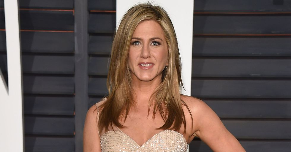 Jennifer Aniston Under Fire for Face Mask Post