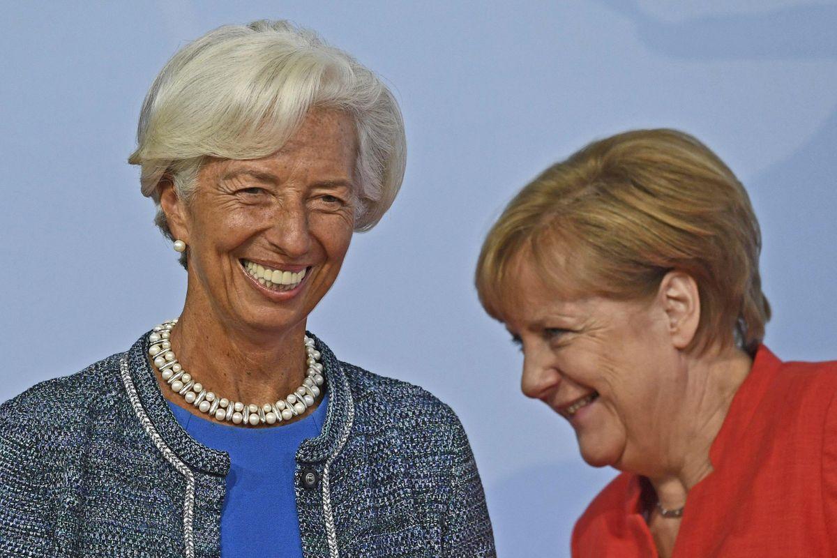 La Bce pompa liquidità per aiutare l'Italia
