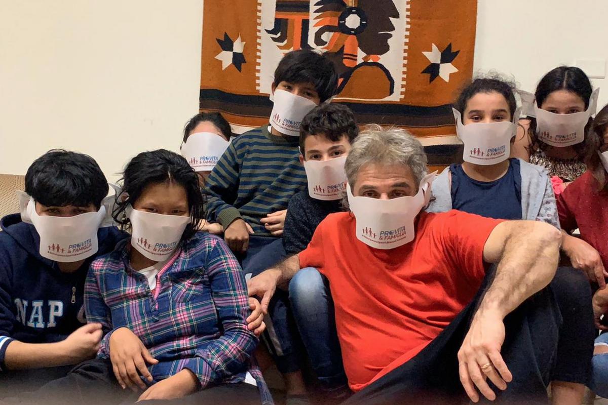 «#AttiviamociperilBenecomune continua. Oggi più di 50 famiglie bisognose romane hanno ricevuto la spesa»