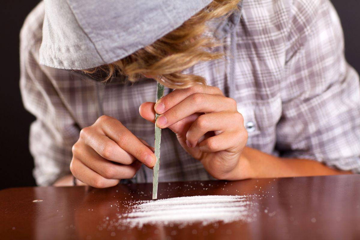 È allarme cocaina fra le ragazzine. E anche i terroristi smerciano droga