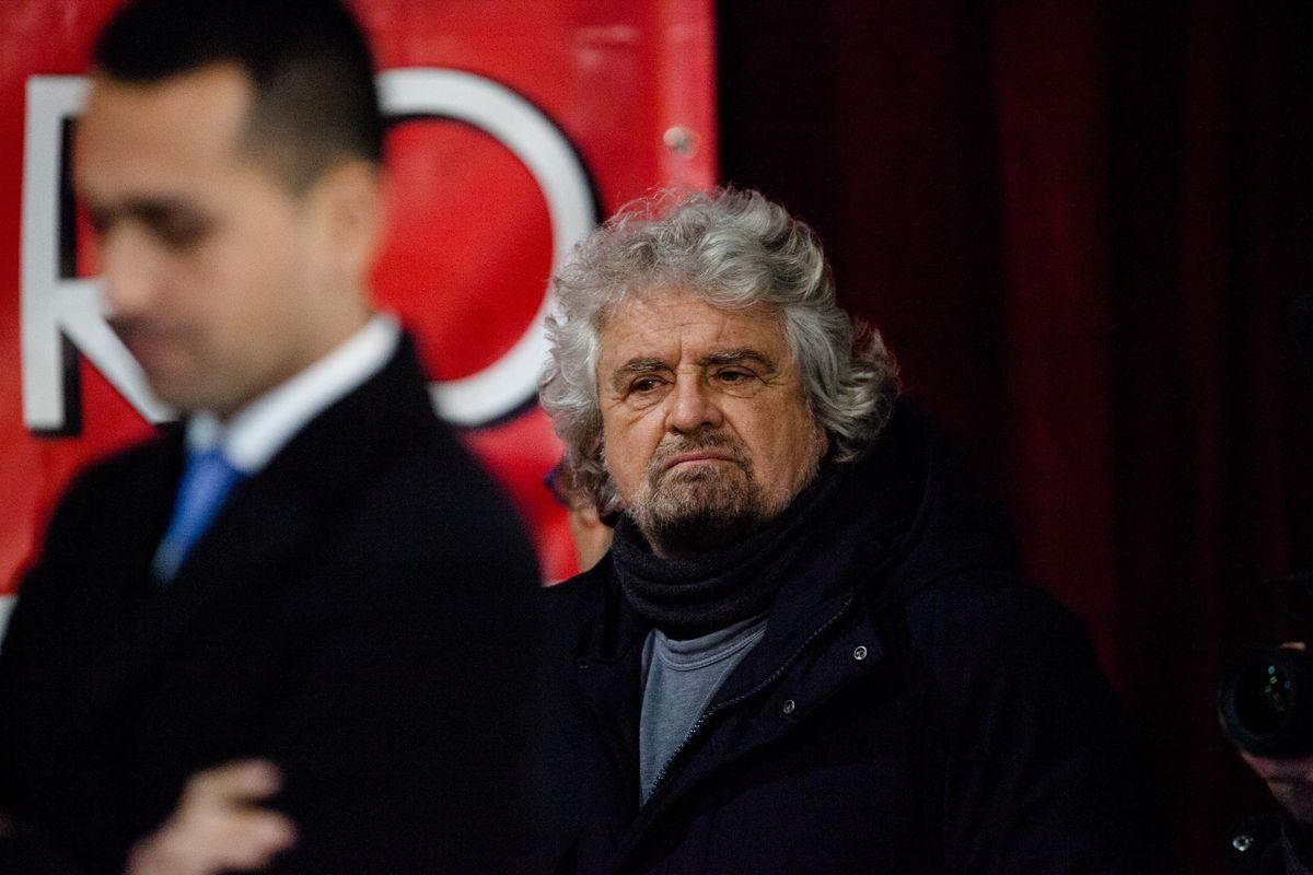 Peggio Salvini sul ponte o Grillo sui telefoni?
