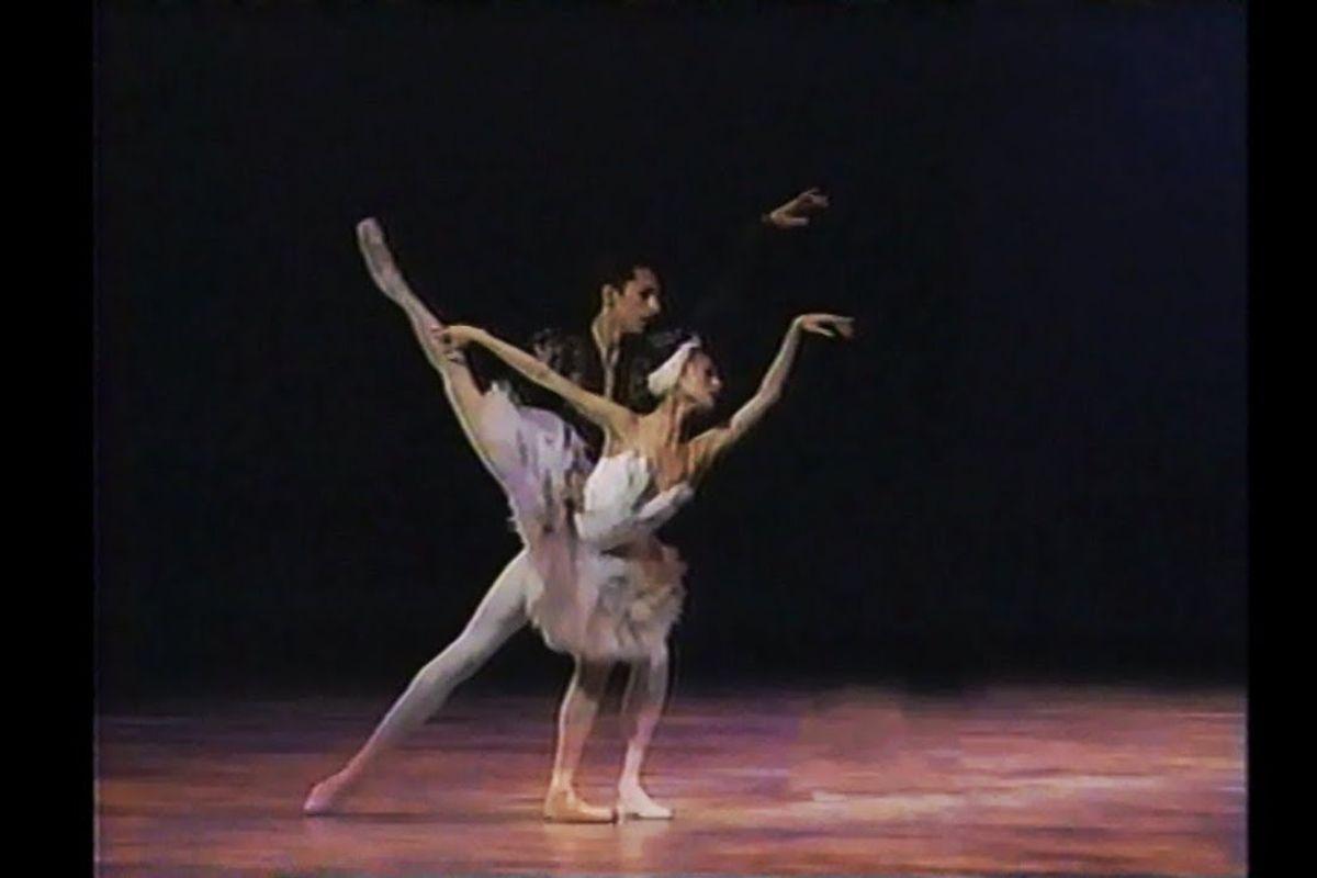 """#TBT: Yuan Yuan Tan and José Martínez in """"Swan Lake"""" (2002)"""