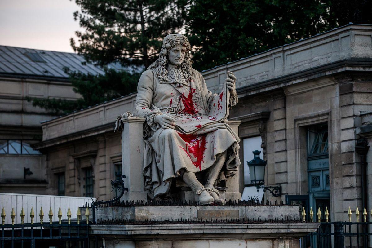 Ma quale razzismo, chi attacca le statue cerca di demolire la figura del padre