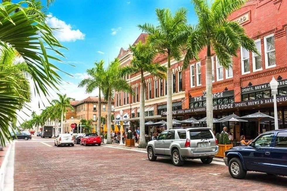 6 Local Fort Myers, Florida, Restaurants To Support By Ordering Delivery