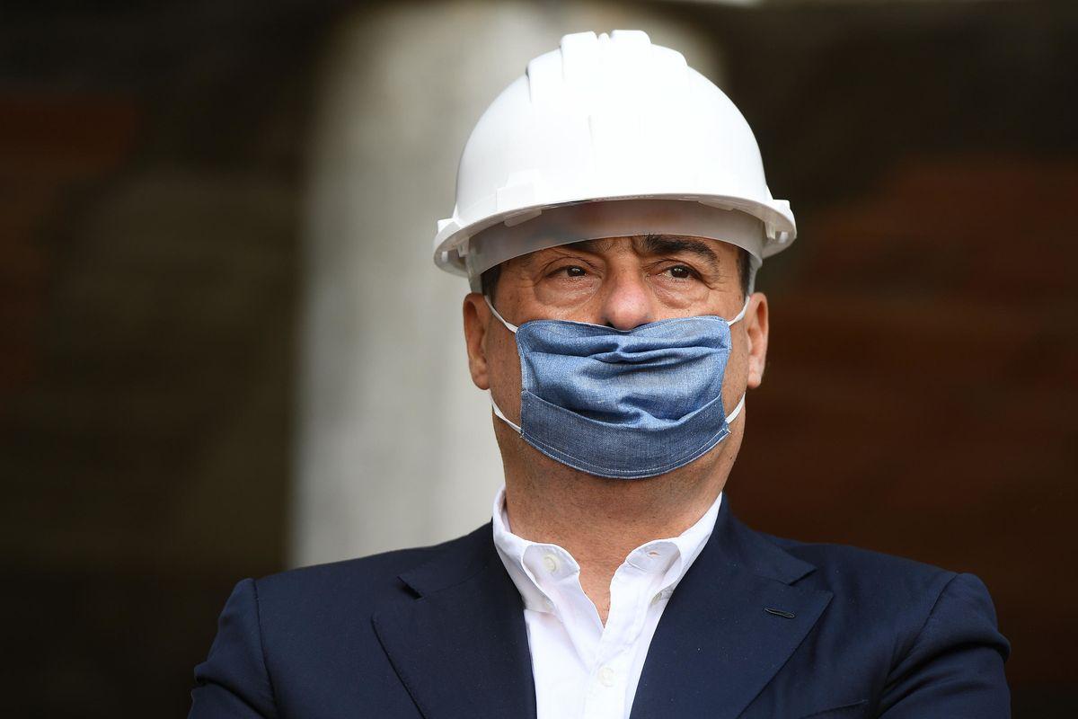 Piovono le euroballe dei tifosi della Troika per convincere il M5s a digerire il Salvastati