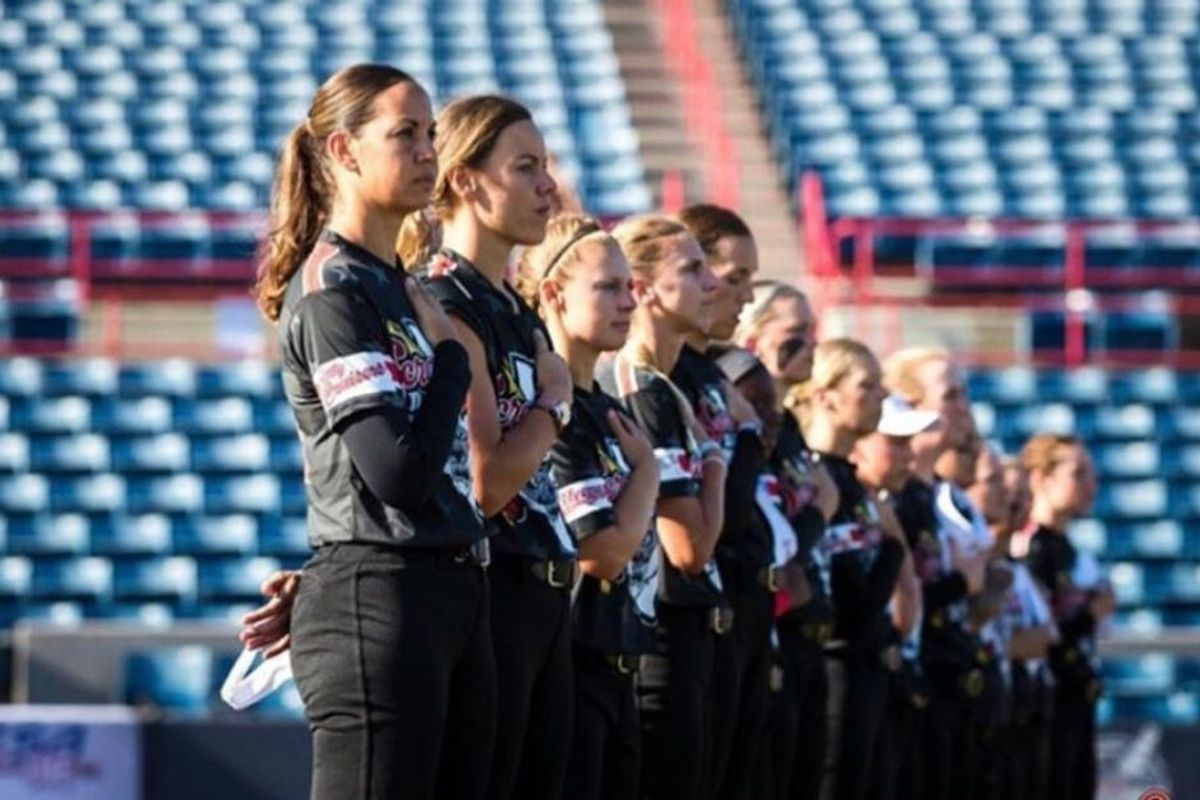 Entire pro softball team quits after GM posts an anti-kneeling tweet using their photo