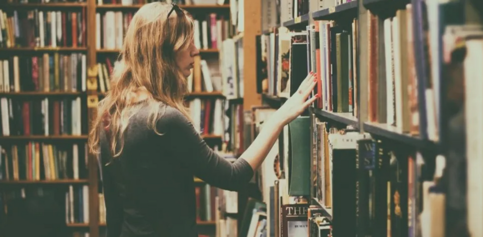 19 Things Only True Bibliophiles Who Have Said 'Just One More Chapter' Will Understand