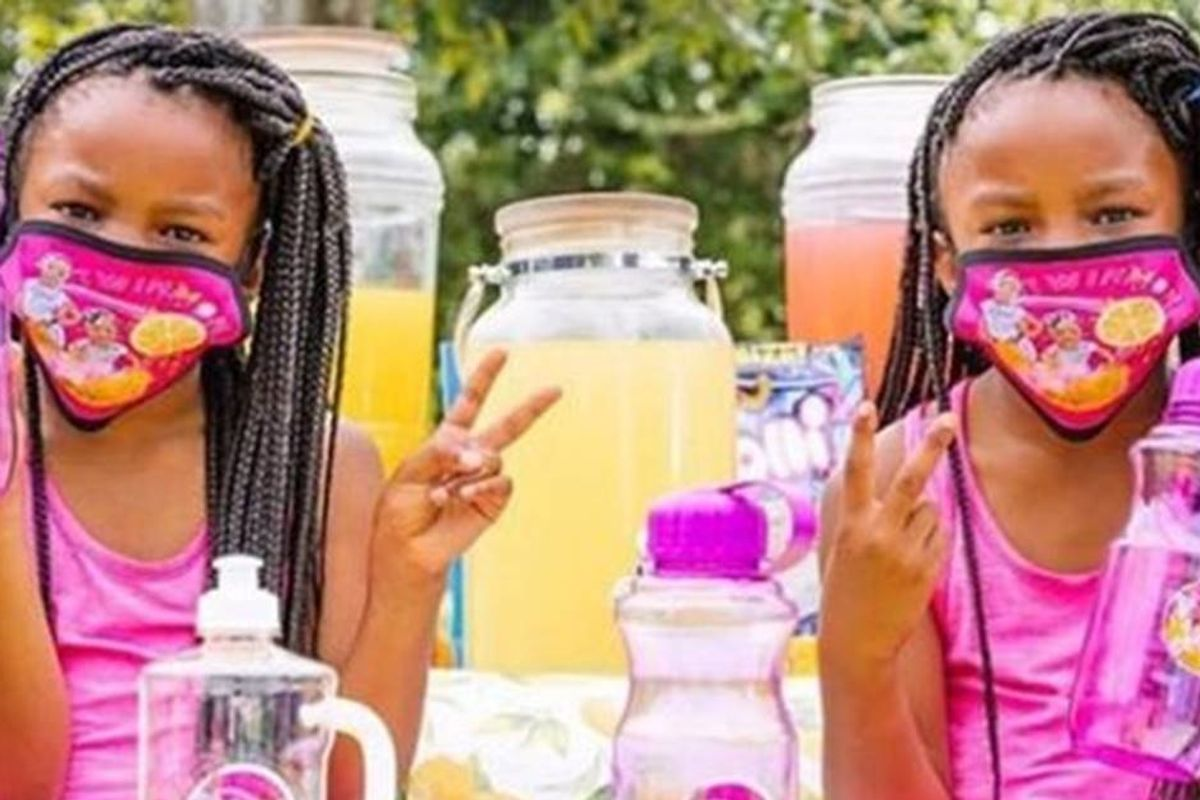 After a woman asked if they had a 'permit', twin 7-year-olds' lemonade stand is back in business