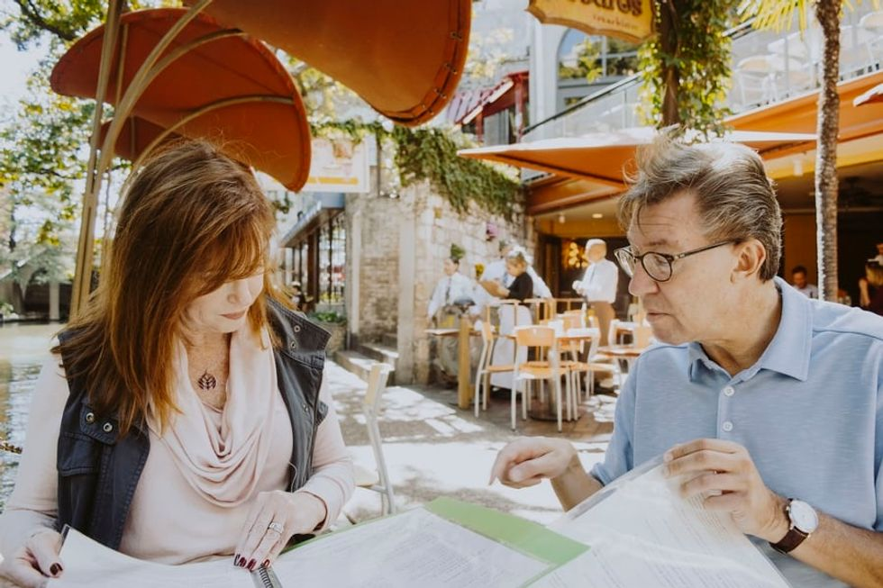 Tips For Meeting Your Boyfriend's Parents Without A Hitch