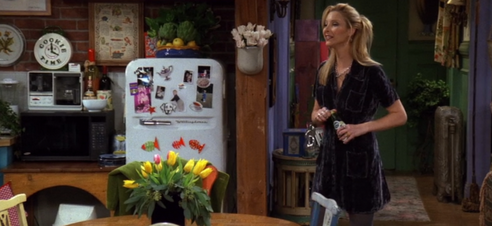 These Phoebe Buffay Outfits Prove She's A '90s Fashion Icon — We're Replicating EVERY Single One