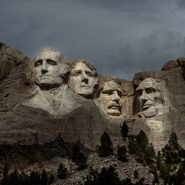 Sioux leaders call for Mount Rushmore to be 'removed'