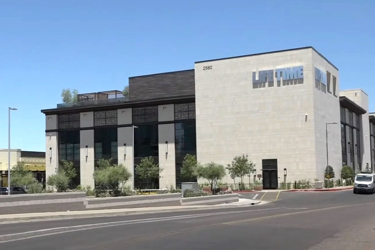 Gym loses liquor license after defying Arizona order to shut down over coronavirus