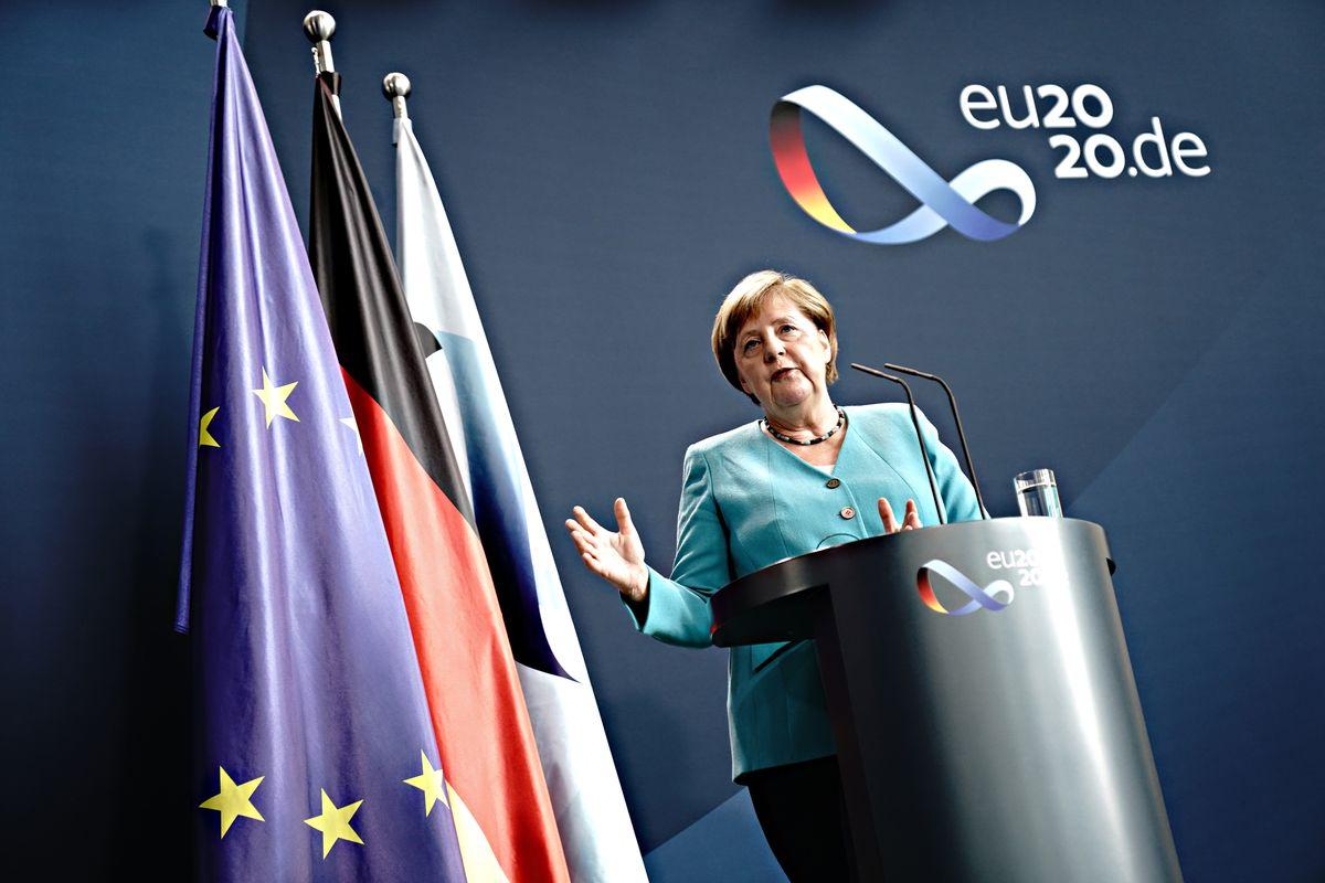 Con il semestre Ue della Merkel scatta il piano per commissariarci