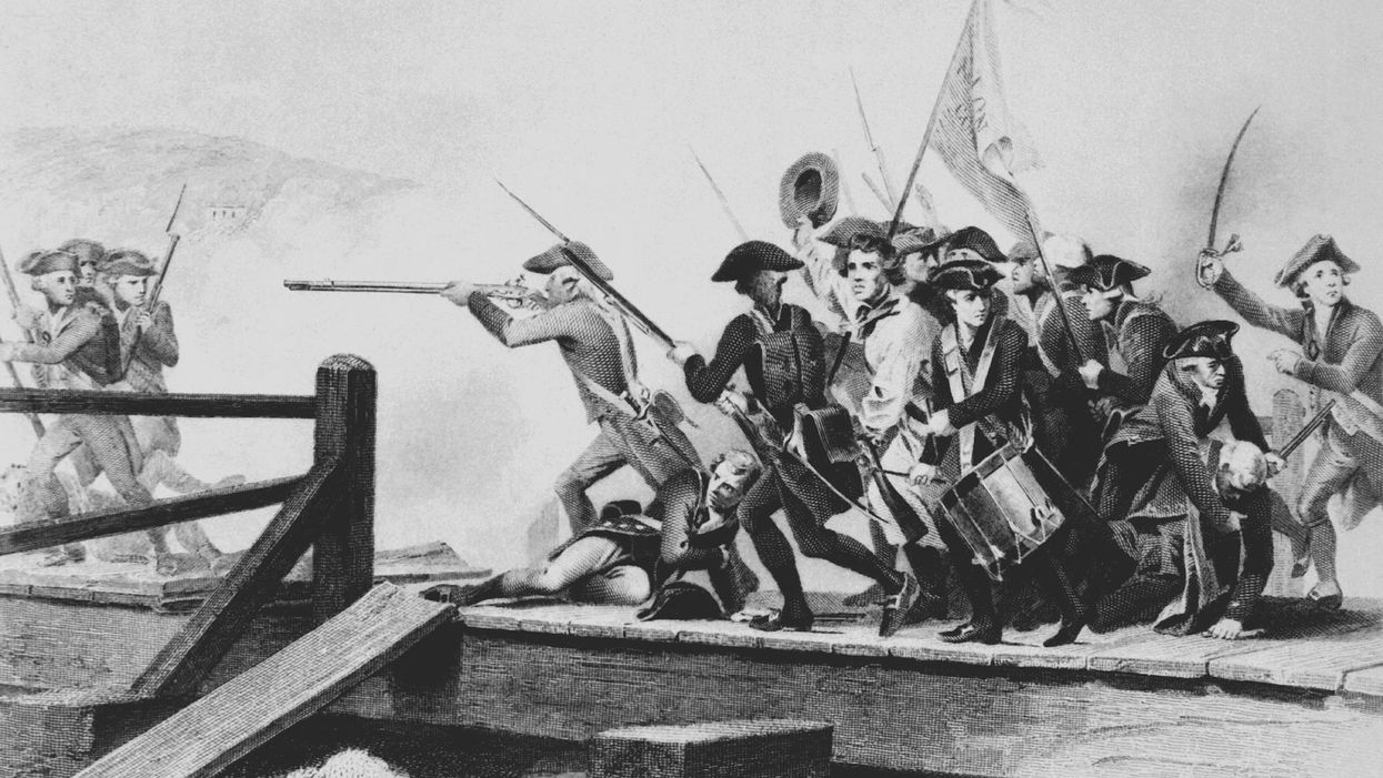 American militiamen force British troops to retreat from Concord