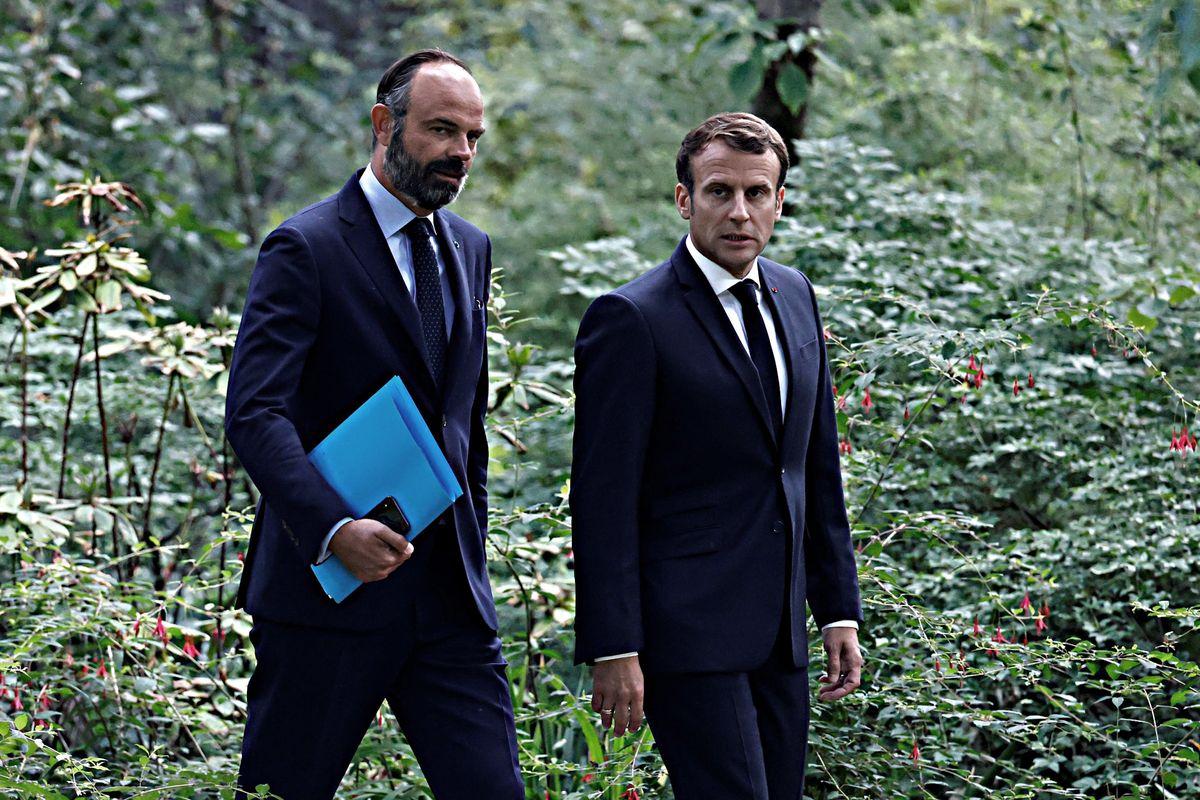 Via Edouard Philippe, arriva Castex. Il re Sole non gradisce chi fa ombra
