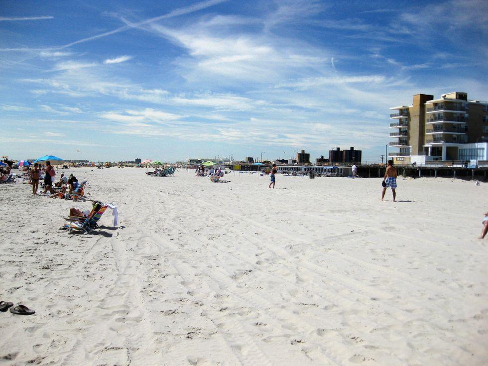Despite COVID-19, Alabamans Return To Beaches