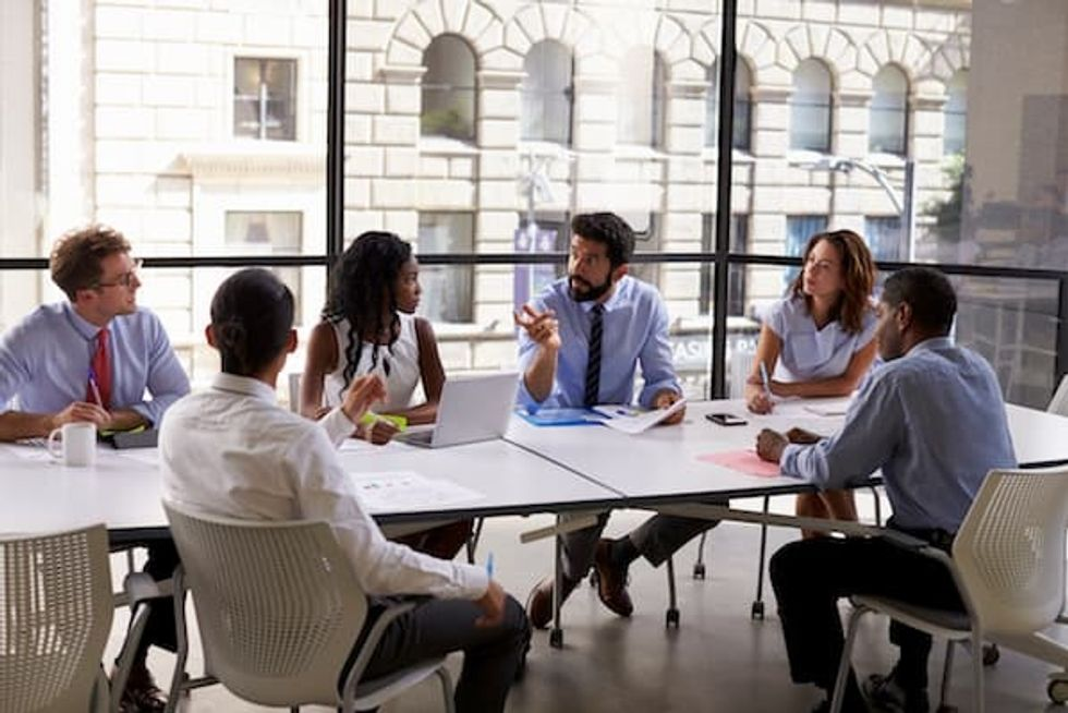 The 3 challenges of sales strategies to advance your competition