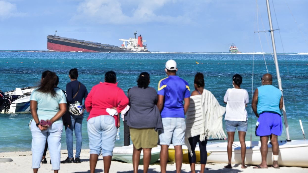 Mauritius' First Major Oil Spill Poses Environmental Crisis