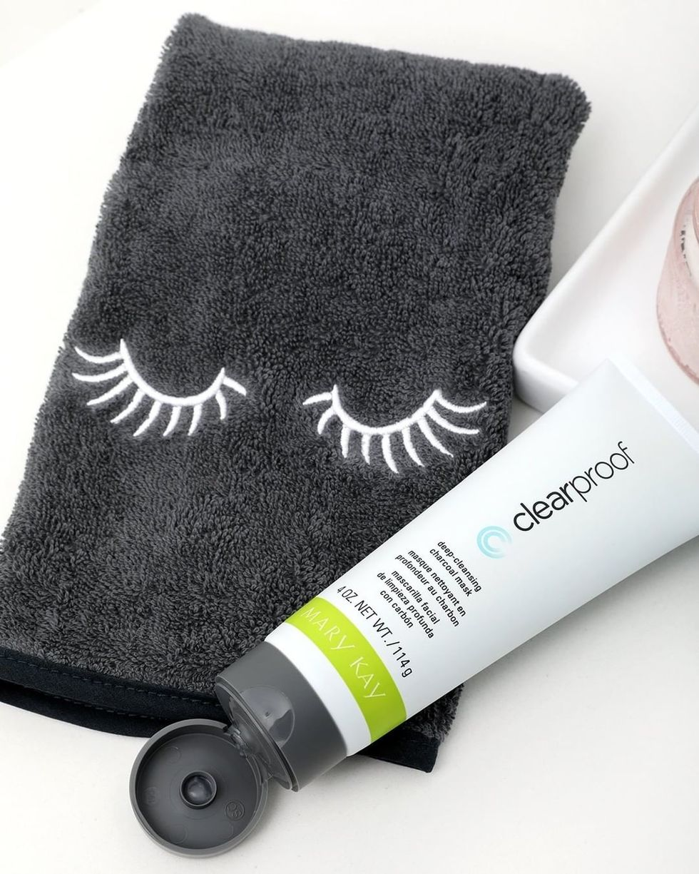 tube of deep-cleansing charcoal mask and face cloth