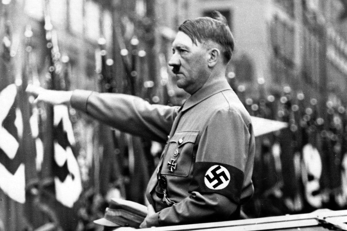La «Loggia luminosa» dietro il Terzo Reich