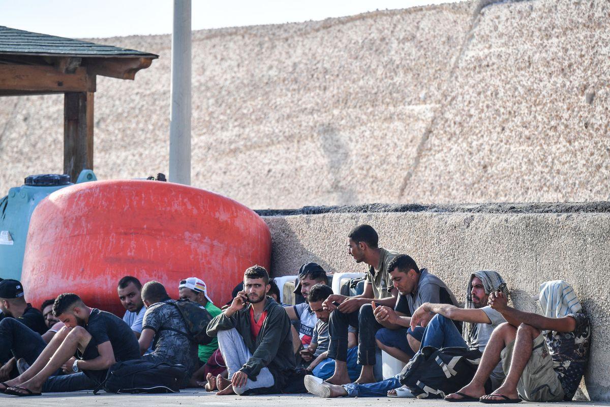 L'Italia stanzia oltre 60 milioni l'anno per pagare le spese legali ai migranti