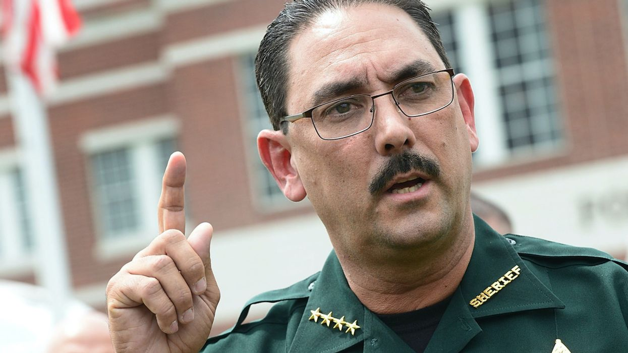 Florida Sheriff Bans Deputies From Wearing Masks as County Sets Daily Record for COVID-19 Deaths