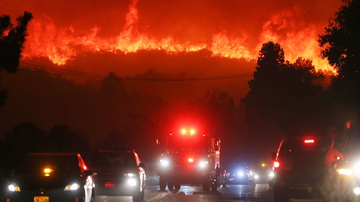 'Explosive' Southern California Lake Fire Spreads to 10,000 Acres Within Hours
