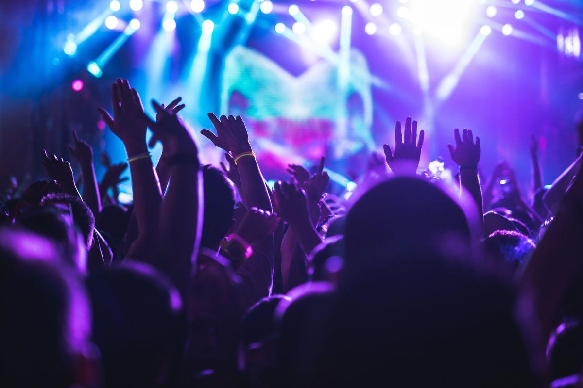 Stop alle discoteche: la parola passa al Tar