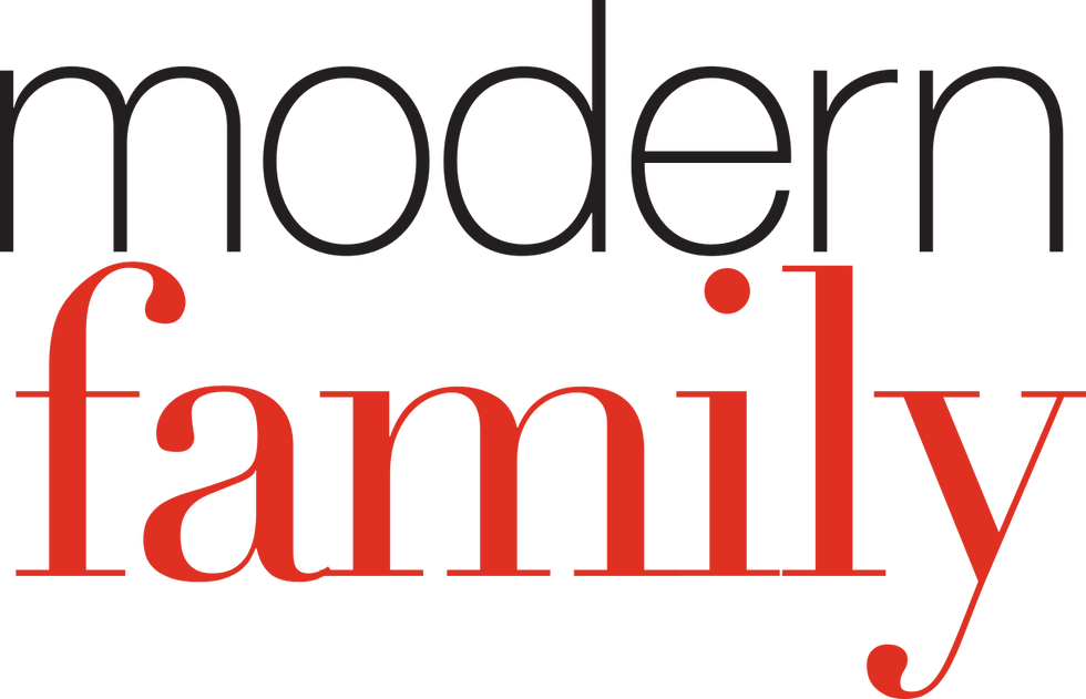 "If You Haven't Watched ""Modern Family"" on Hulu, Here's 5 Reasons To Start"