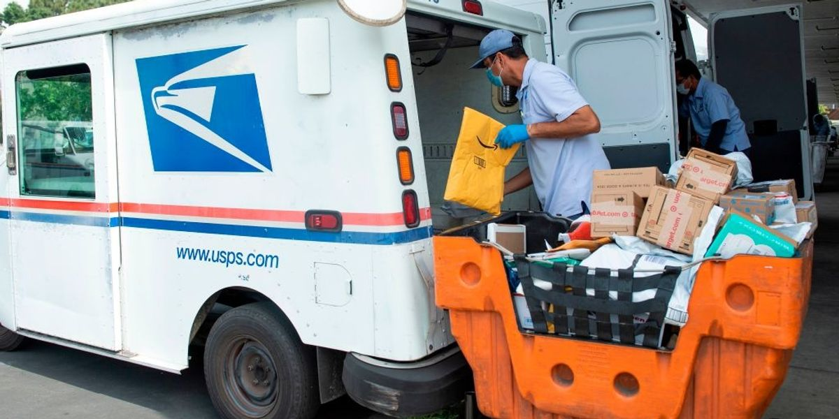 Lawmaker exposes what House Democrats are 'suddenly' stuffing in emergency USPS bill