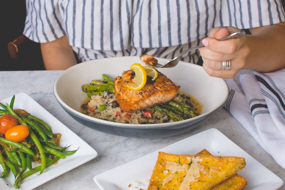 Transitioning To Healthy Eating Can Be Hard, But These 5 Steps Make It MUCH Easier