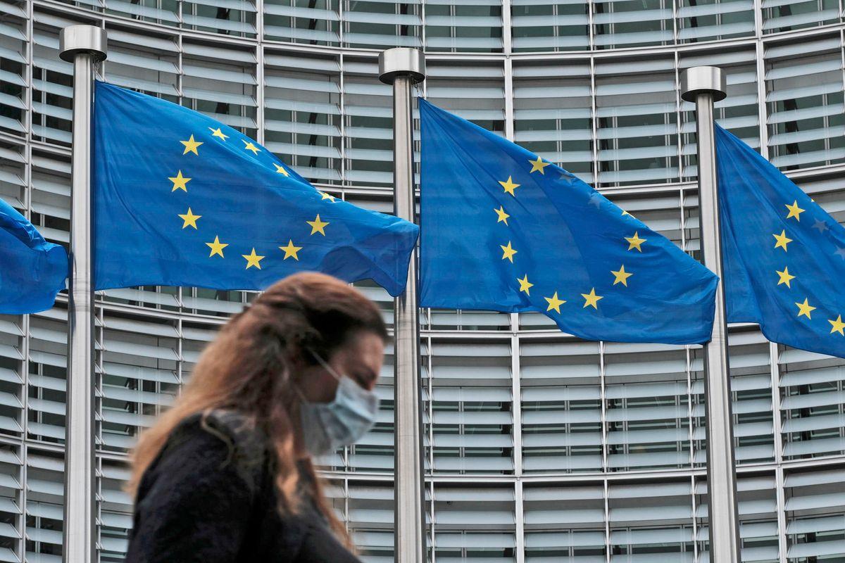Un mostro obeso e vorace si aggira in Europa