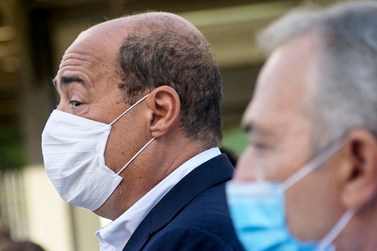 Il Pd di Zingaretti sventola le mascherine