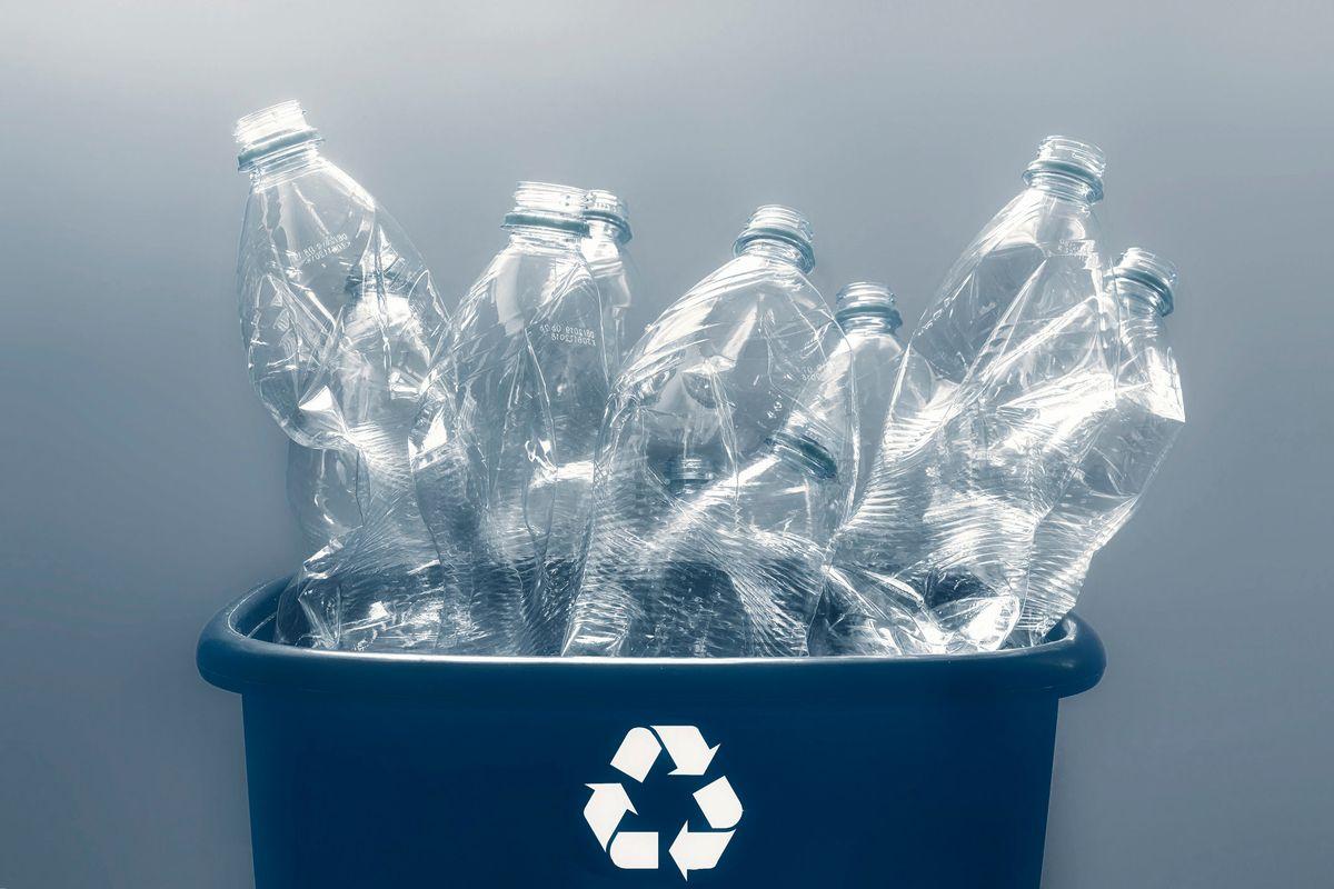 Una cosa è certa: la plastic tax dal 1° gennaio