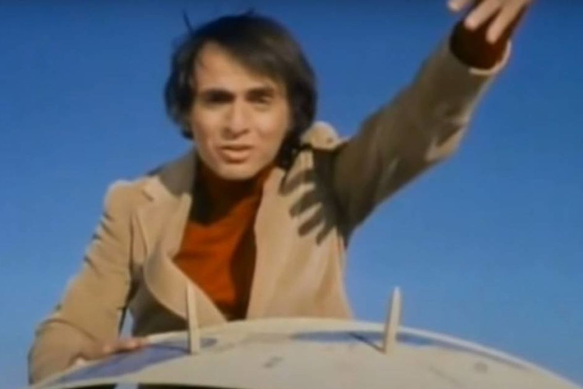 Remember when 'Cosmos' host Carl Sagan debunked flat Earthers with a piece of cardboard?
