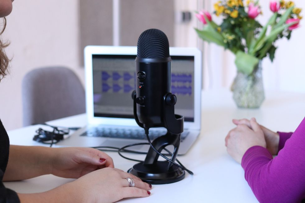 I Made A Successful Podcast With My Sister In One Week — Here's How I Did It