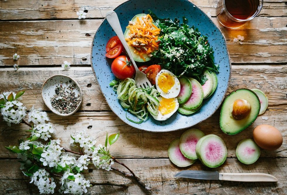 These 4 Ingredients Transformed My Boring, Healthy Salads In To Satisfying Meals I Actually Love