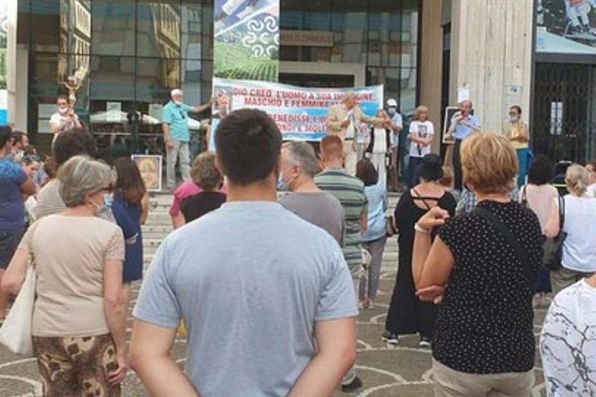Omofobia, Pro Vita & Famiglia: «A Treviso odio e illegalità degli Lgbt contro la nostra manifestazione»