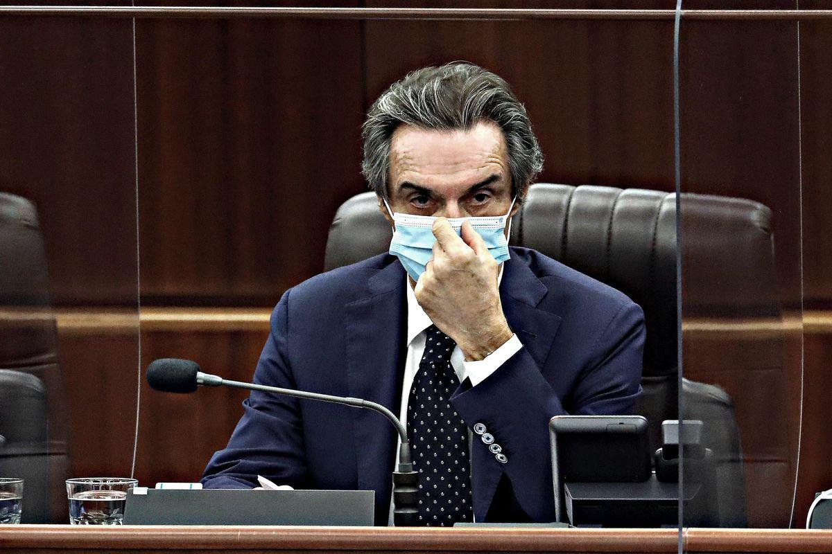 Fontana sferra il suo contrattacco: «Nessuno dubiti della mia integrità»