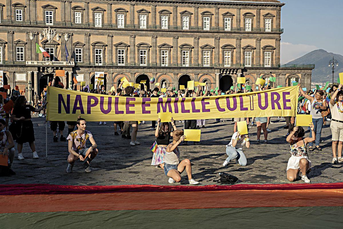 La Campania non aspetta il ddl Zan e fa approvare la «leggina gender»