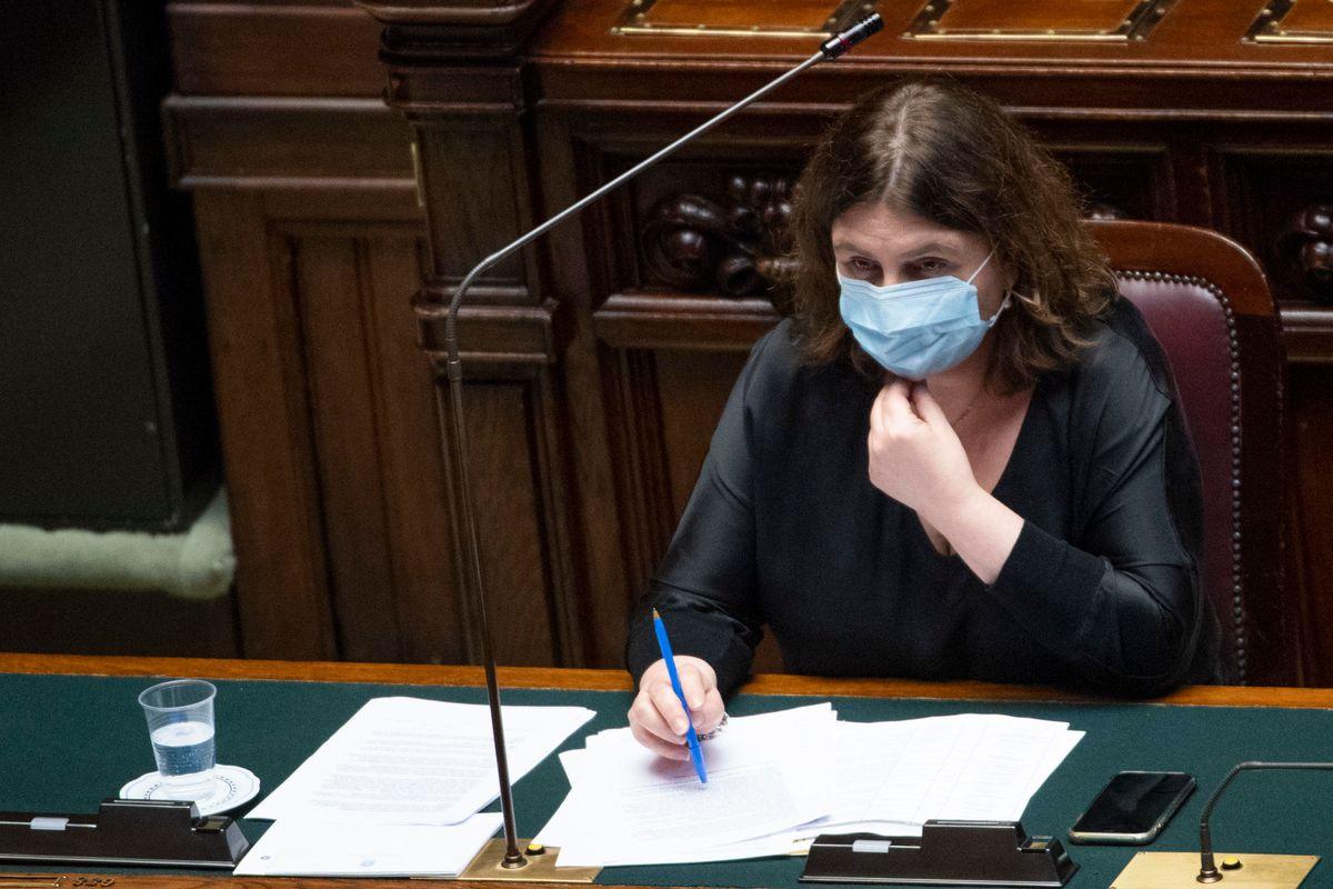 «Non voglio quelli di Air Italy sotto al ministero». Catalfo beccata dalla hostess