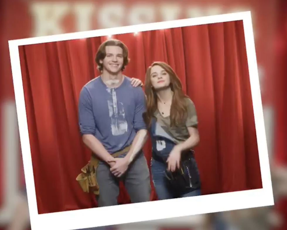 """The Truth Behind """"The Kissing Booth"""" Friendship Rules"""