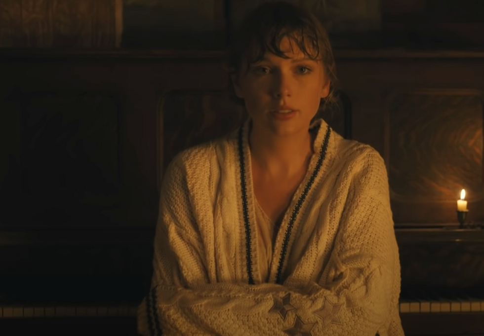 7 Reasons 'Folklore' Proves Taylor Swift Is The Last Great American ANYTHING In 2020