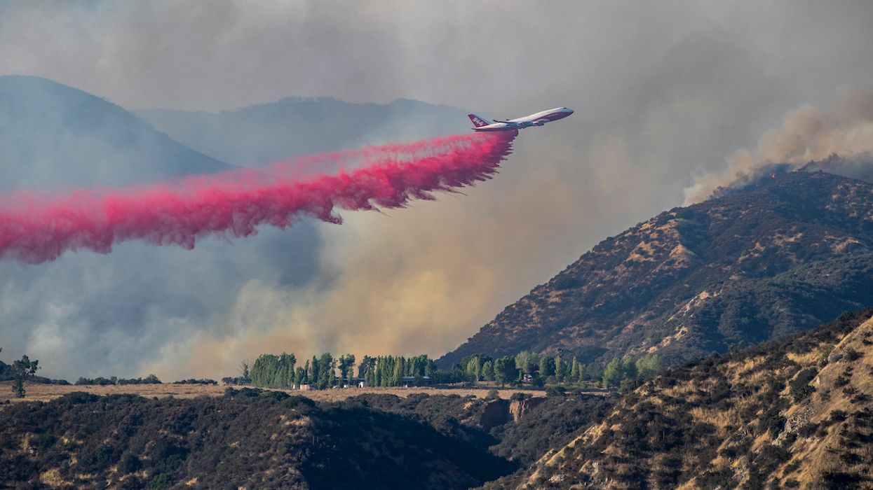 Apple Fire Forces 7,800 to Seek Shelter in Coronavirus-Ravaged California