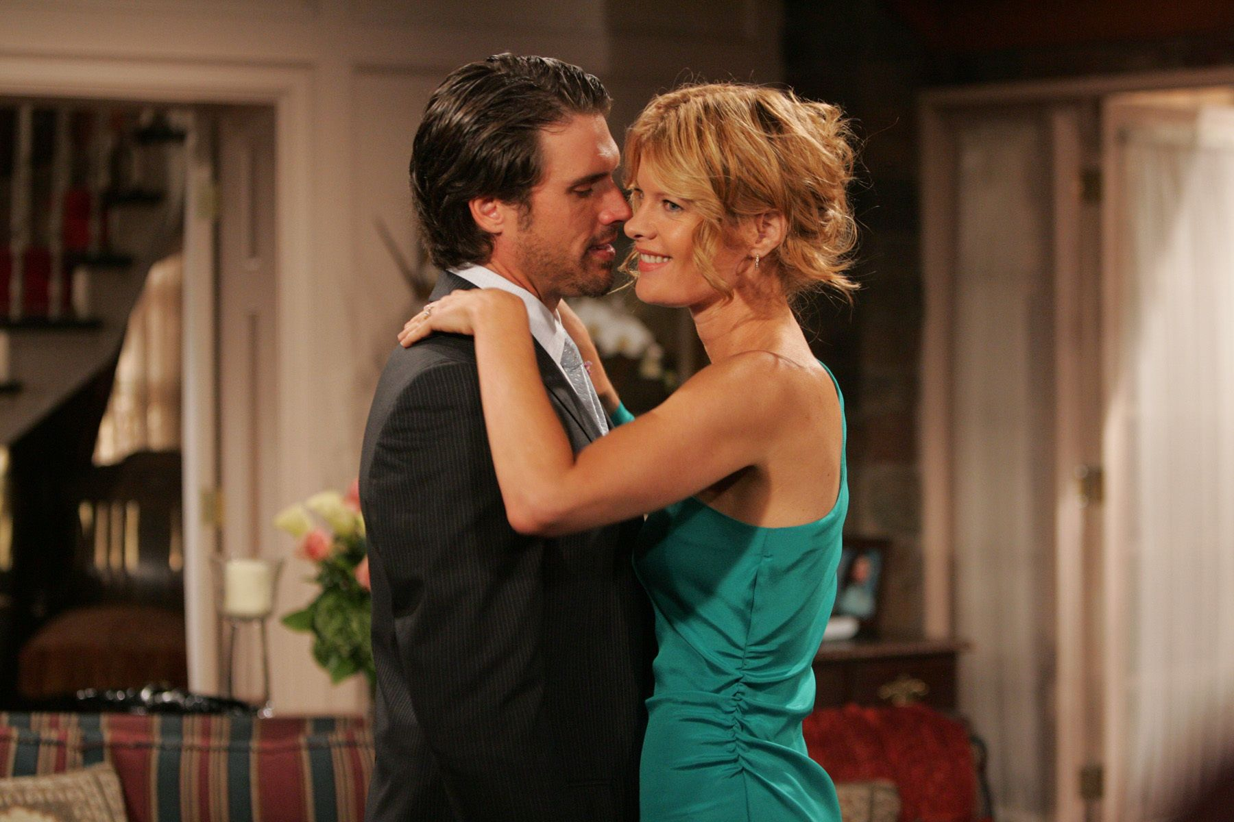 Michelle Stafford as Phyllis embraces Joshua Morrow as Nick