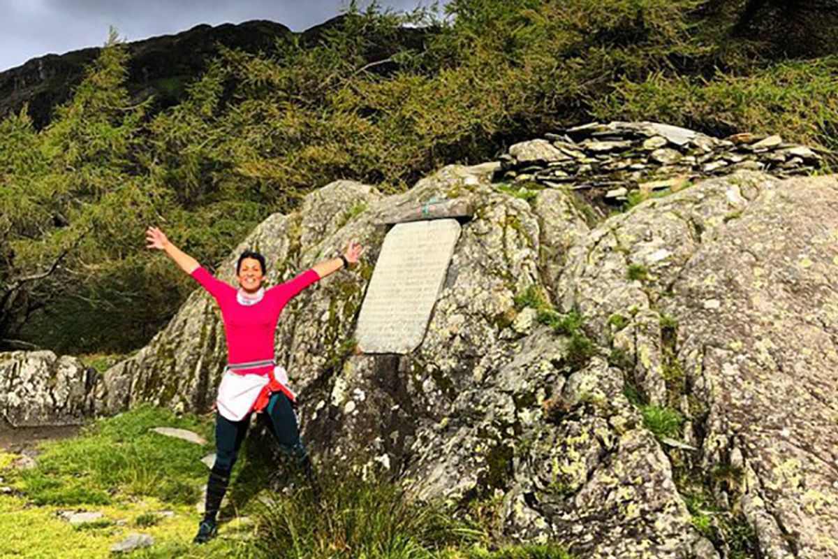 Nothing could stop this British woman, and her bad knee, from hiking 318 miles in 6 days