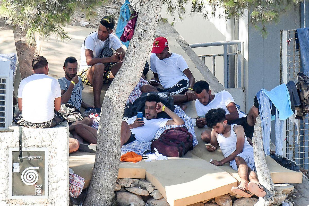Quest'anno l'estate è solo al centro migranti